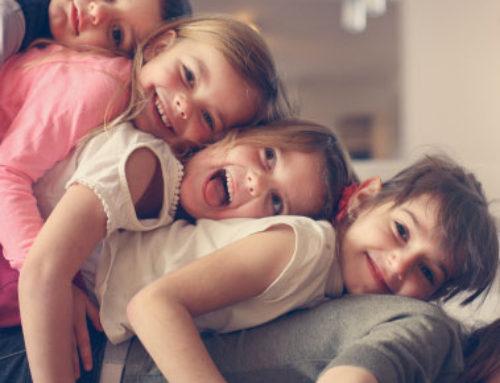 Los amigos de tus hijos